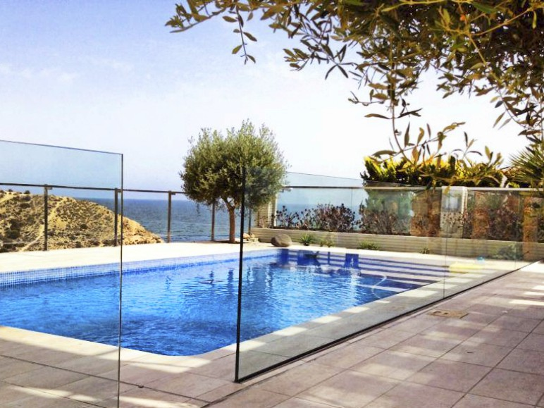 Barandillas de cristal leroy merlin perfect aluminio kit pasamanos metros leroy merlin - Cristales para piscinas ...