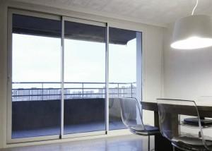 proyecto puerta corredera tecknica thermic tres carriles lacado blanco sistemas de aluminio para la construccion alumed alicante 2
