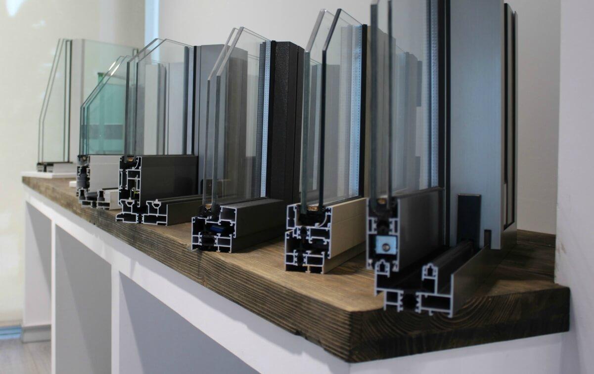 sistemas de aluminio para la construccion alumed aluminium systems alicante showroom 7 perfiles cristal