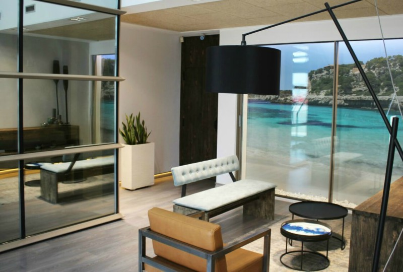 ventanas de aluminio sistemas para la construcción alumed aluminium systems alicante showroom minimalista