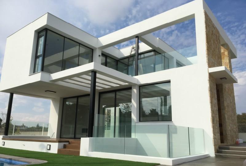 ventanas de aluminio sistemas para la construcción alumed aluminium systems alicante showroom vivienda
