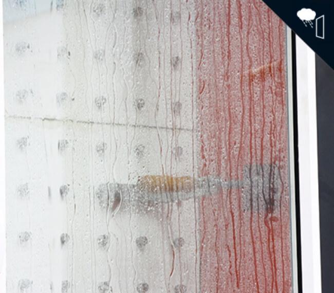 detalle rociado durante ensayo estanqueidad al agua sistemas de aluminio para la construccion alumed aluminium systems alicante
