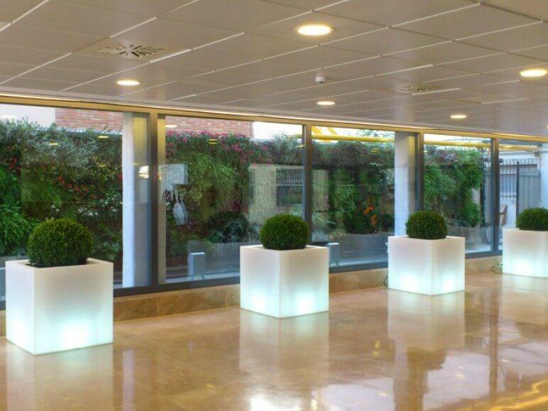 hospital costa de marfil ventana abisagrada proyecto sistemas de aluminio para la construccion alumed aluminium systems alicante 2