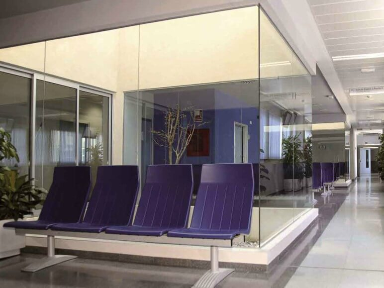 hospital costa de marfil ventana abisagrada proyecto sistemas de aluminio para la construccion alumed aluminium systems alicante 4