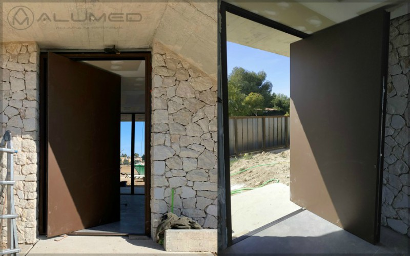 serie simetrika amc pivotante abisagrada ventana puerta alicante sistemas de aluminio para la construcción proyecto