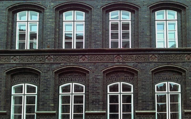 ventanas-puertas-alicante-sistemas-de-aluminio-para-la-construccón-ventna-intermedia