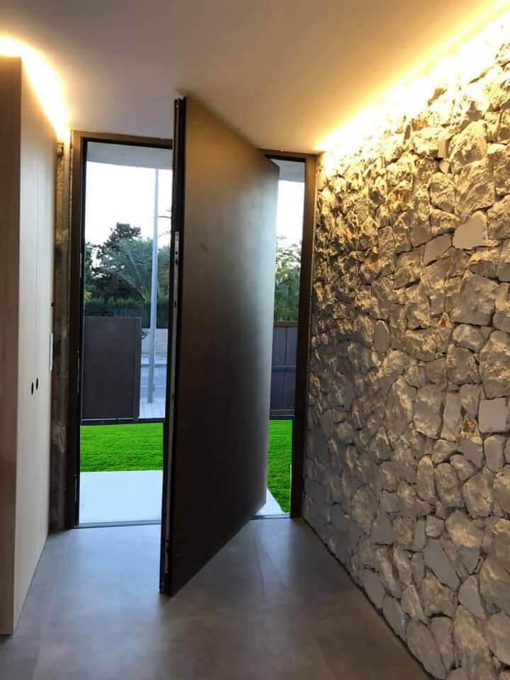 puerta ventana aluminio simetrika amc abisagrada pivotante home