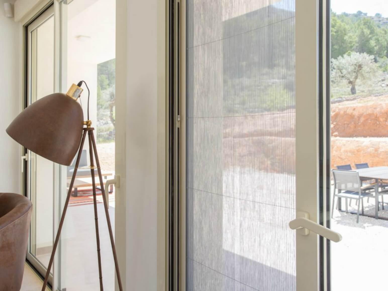 exterior en interior cerramientos ventanas tecknica thermic proyecto 19 sistemas de aluminio para la construccion alumed aluminium systems alicante 2